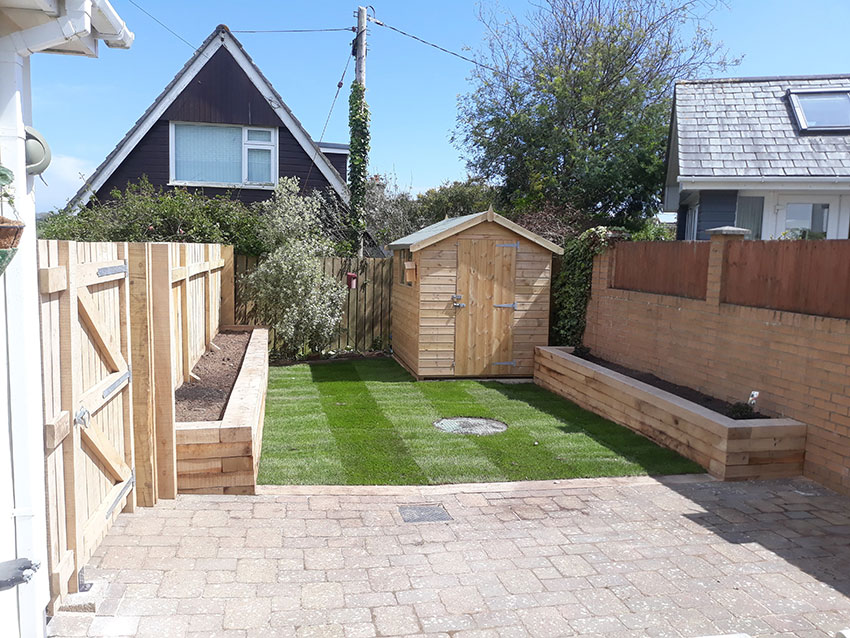 From-Driveway-to-Sunny-garden-20190510_142201